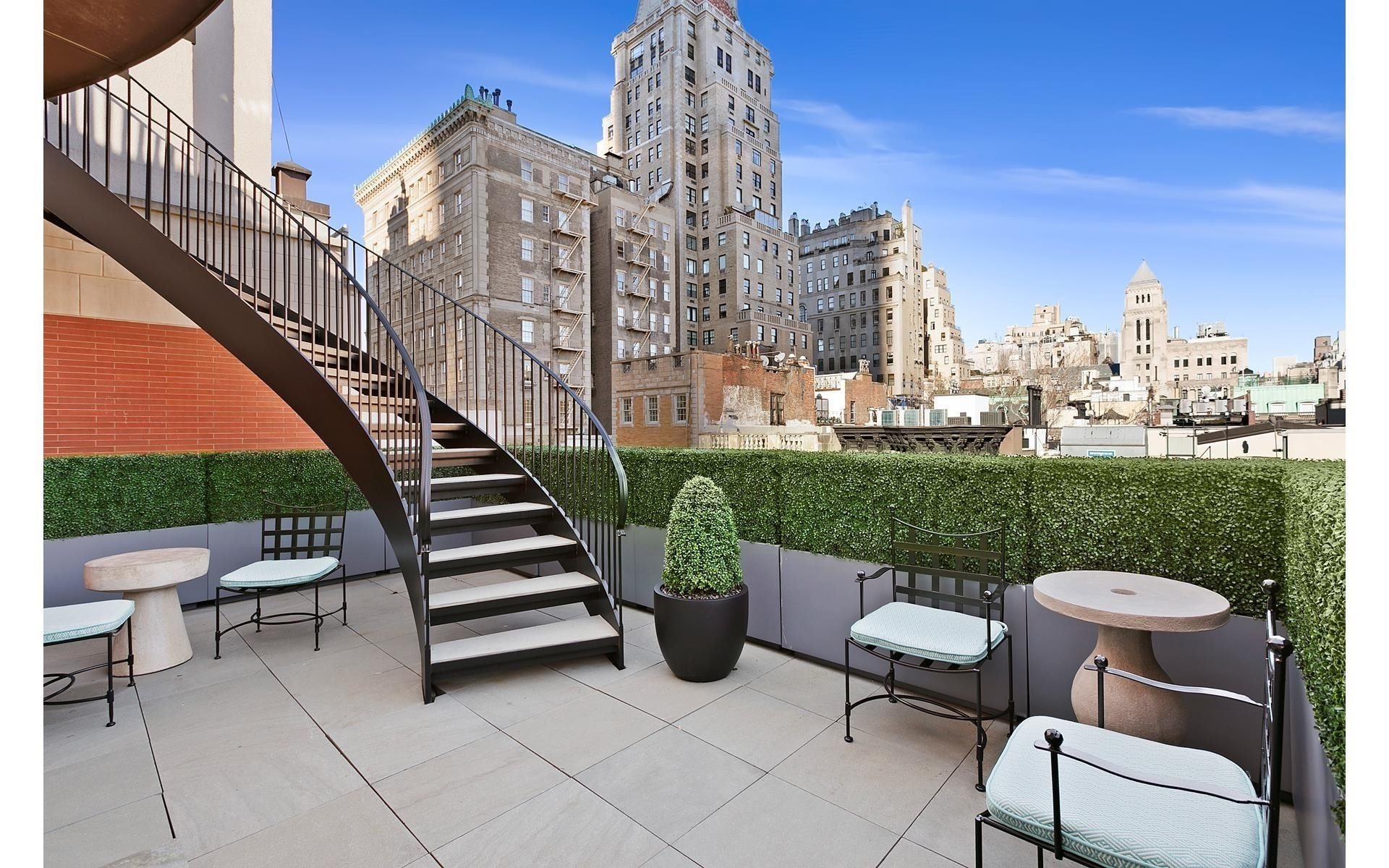 19. Single Family Townhouse for Sale at Lenox Hill, New York, NY 10021