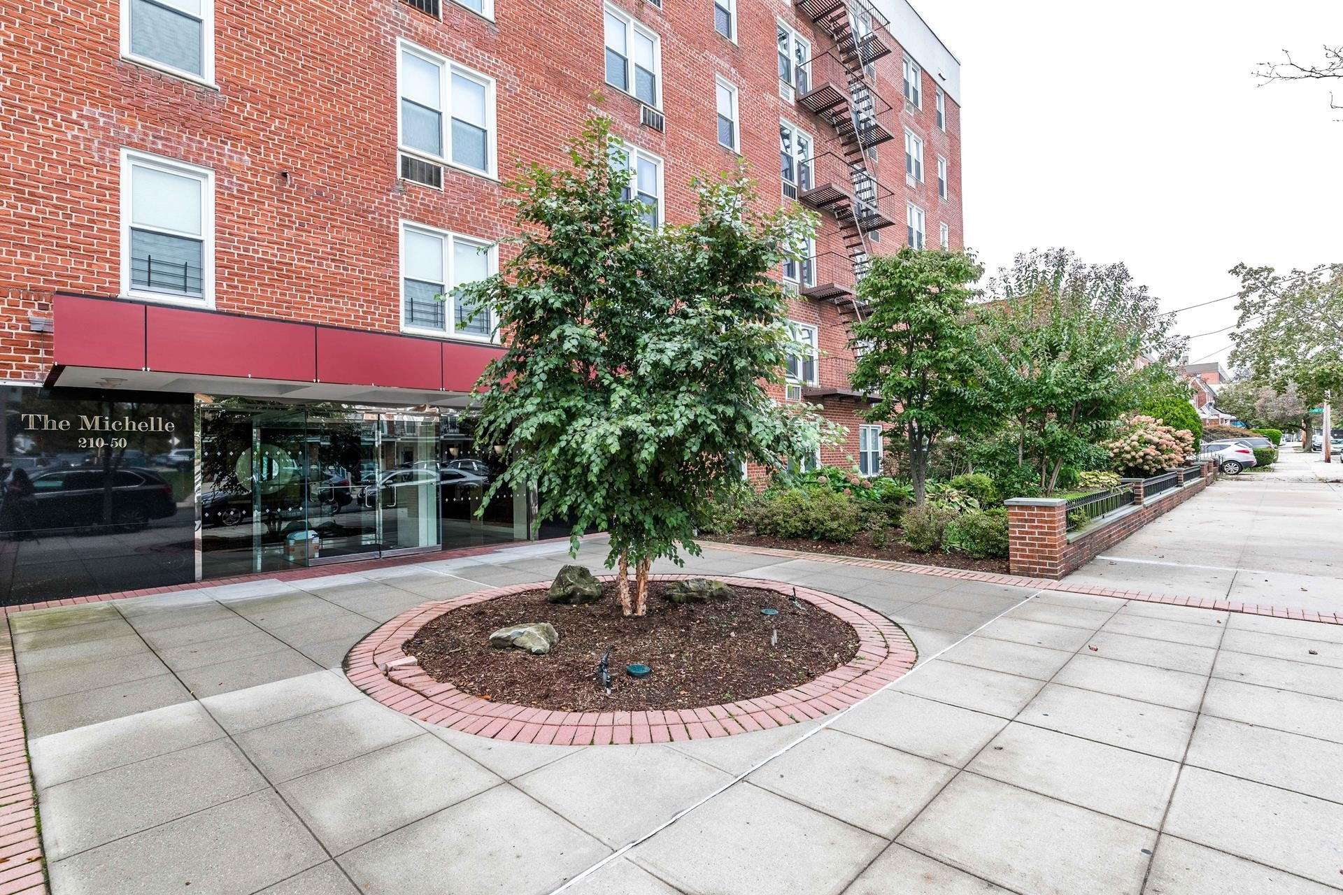 Co-op Properties for Sale at 210-50 41st Avenue, 5F Bayside, Queens, NY 11361