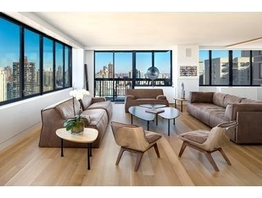 Property в OXFORD CONDO, 422 East 72nd St, 33E Lenox Hill, New York, NY 10021