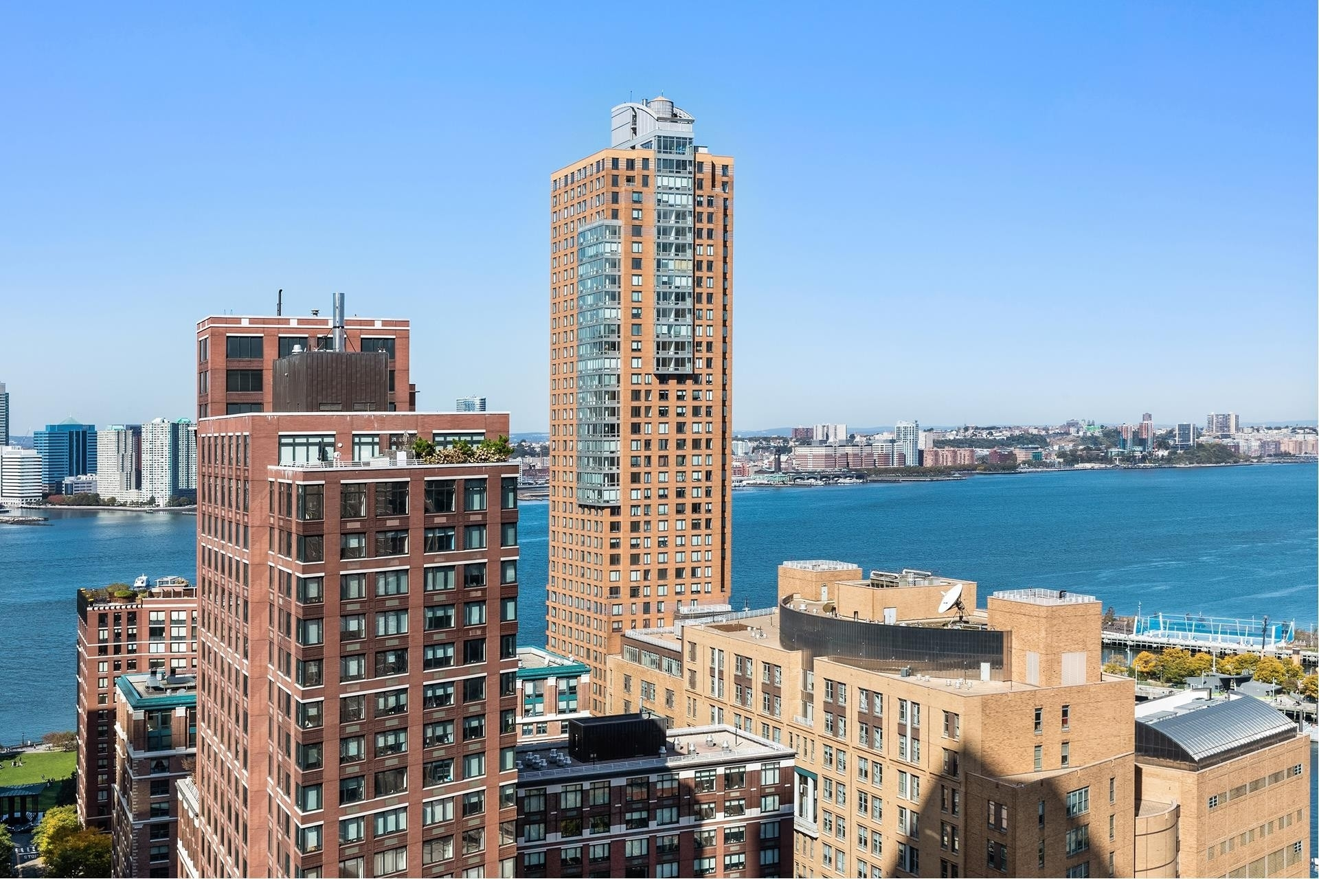 2. Condominiums for Sale at 101 Warren St, 2420 TriBeCa, New York, NY 10007