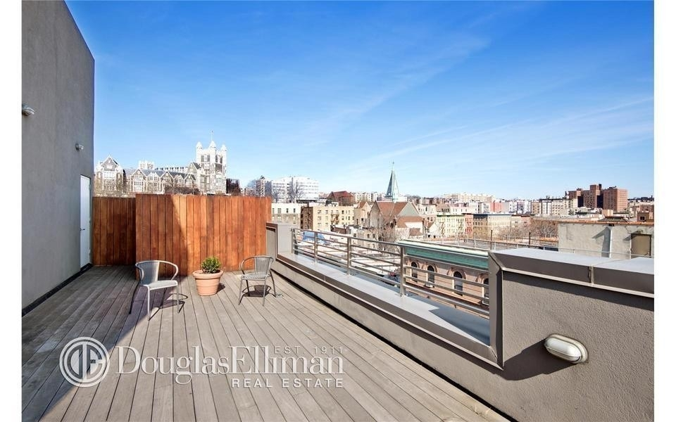 14. Condominiums for Sale at One Striver's Row, 2605 Frederick Douglass Boulevard, 4B Central Harlem, New York, NY 10030