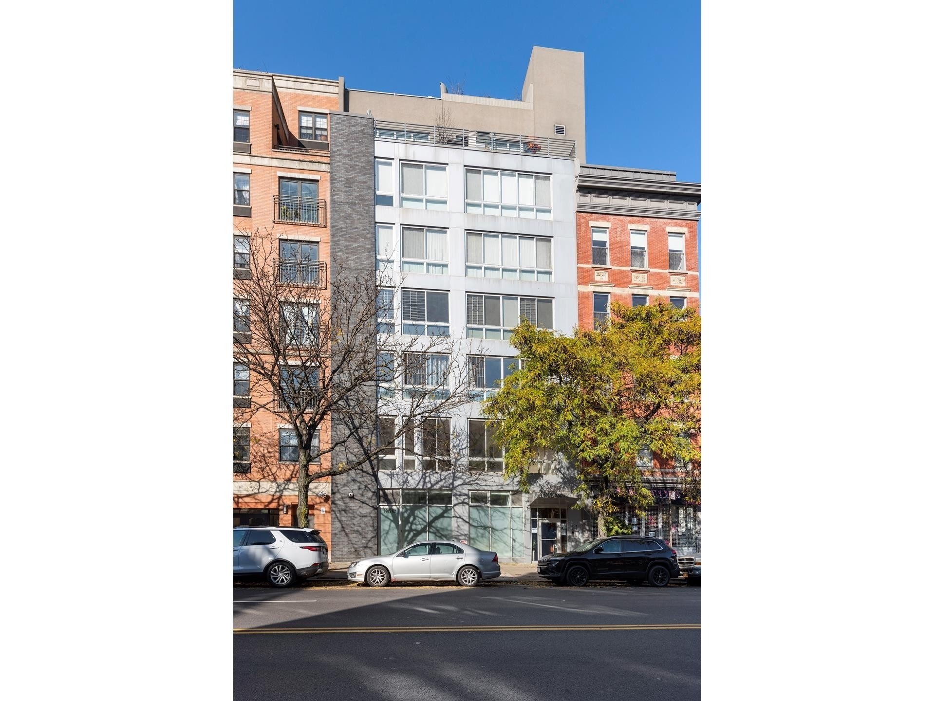 13. Condominiums for Sale at One Striver's Row, 2605 Frederick Douglass Boulevard, 4B Central Harlem, New York, NY 10030