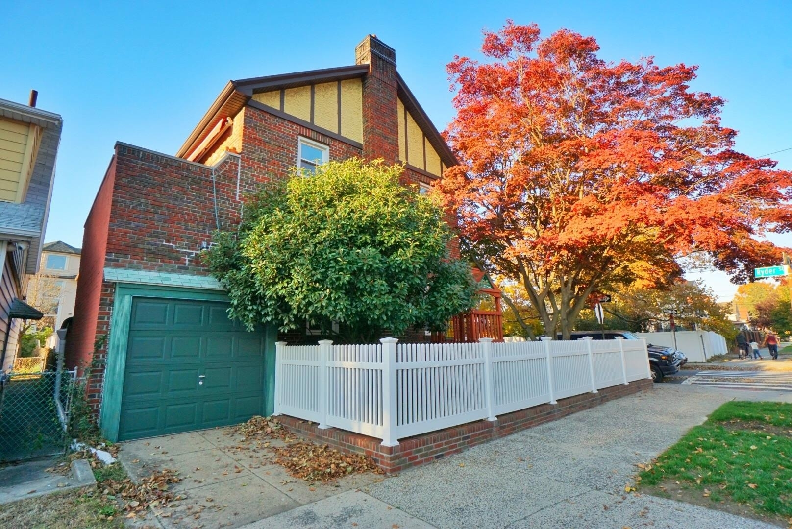 24. Single Family Townhouse for Sale at 1684 RYDER ST , TOWNHOUSE Marine Park, Brooklyn, NY 11234
