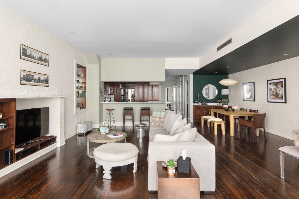 Condominium at 554 Broome St, 3R Hudson Square, New York, NY 10013