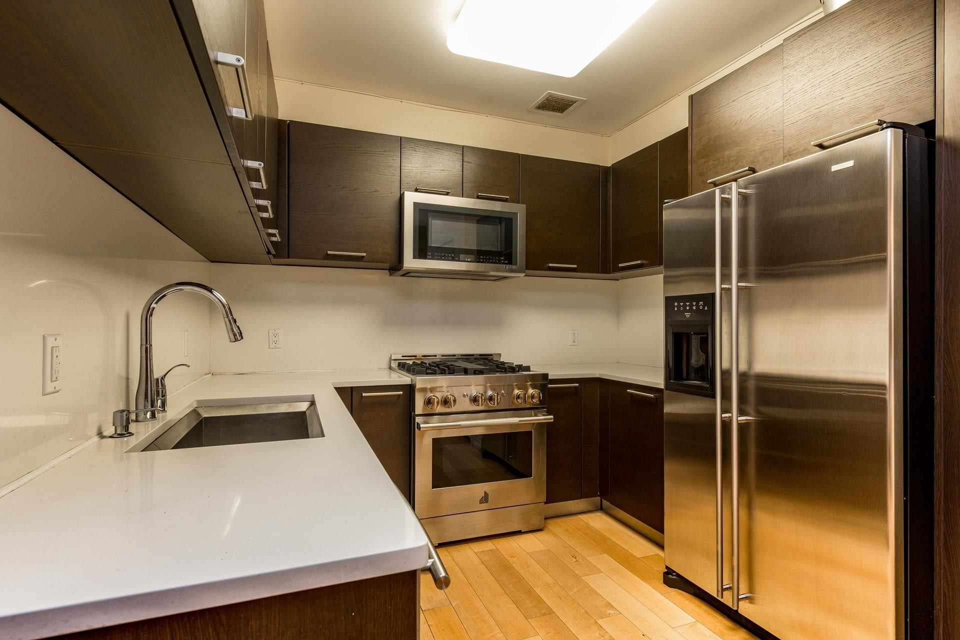 9. Condominiums for Sale at 64-05 Yellowstone Boulevard, 108 Forest Hills, Queens, NY 11375