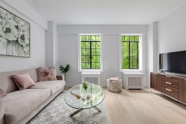 Co-op Properties for Sale at Prospect Tower, 45 TUDOR CITY PL , 319 Turtle Bay, New York, NY 10017