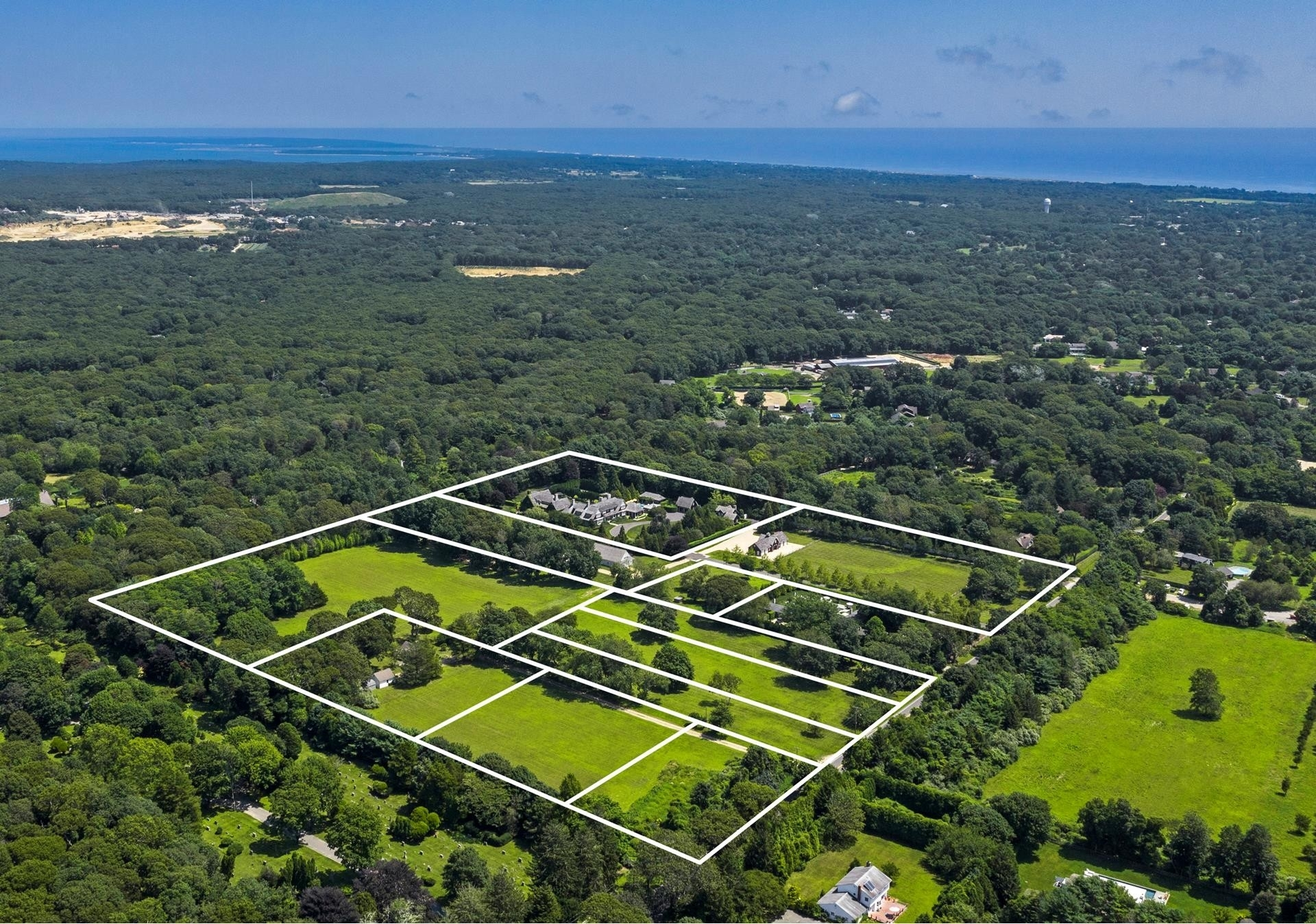 Single Family Home for Sale at Northwest Woods, East Hampton, NY 11937