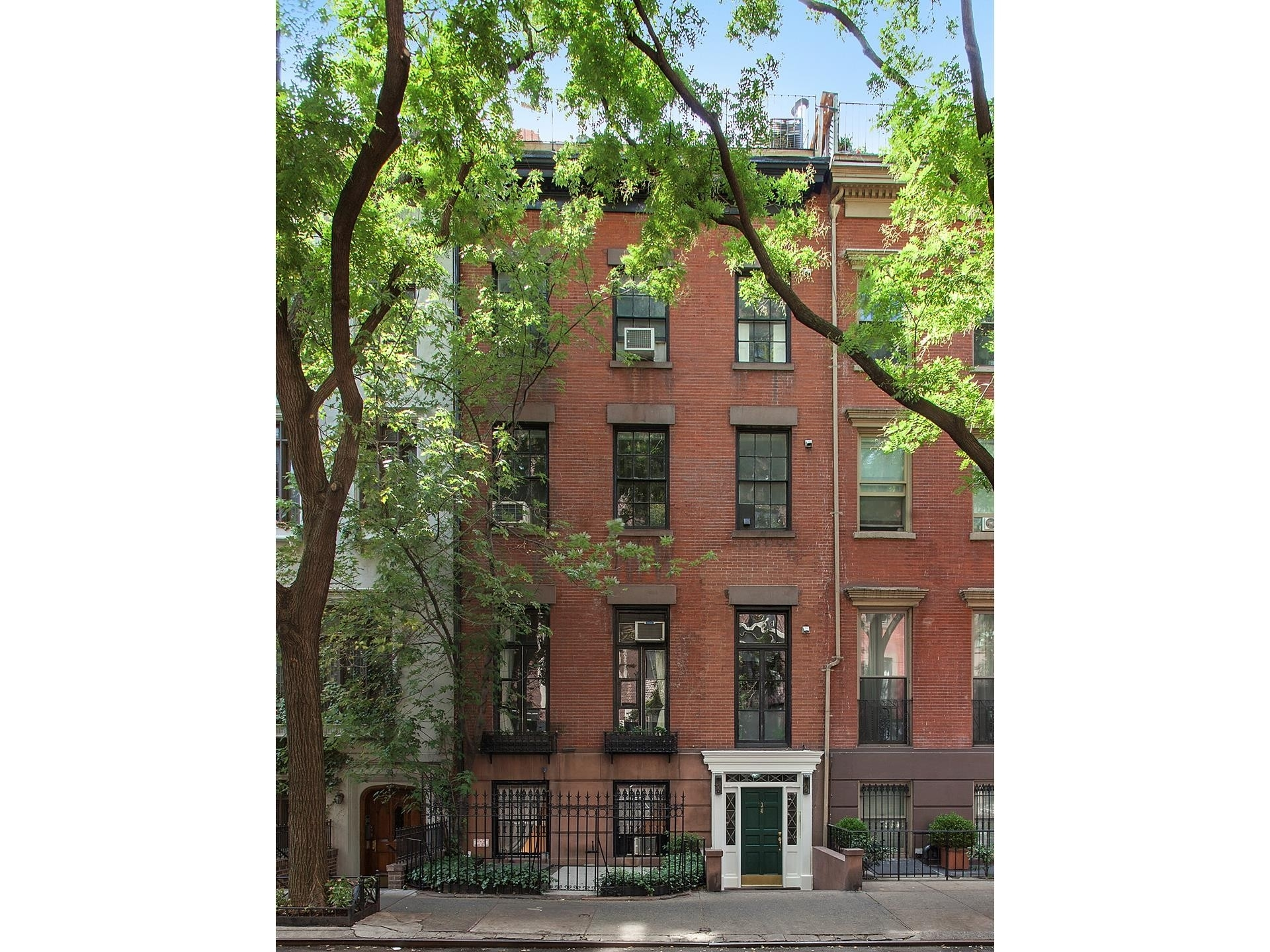 Property 在 34 W 9TH ST , TOWNHOUSE Greenwich Village, 纽约, NY 10011