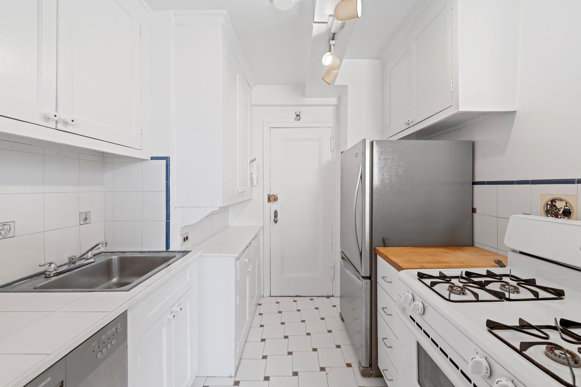 8. Co-op Properties for Sale at 315 E 68TH ST , 11J Lenox Hill, New York, NY 10065