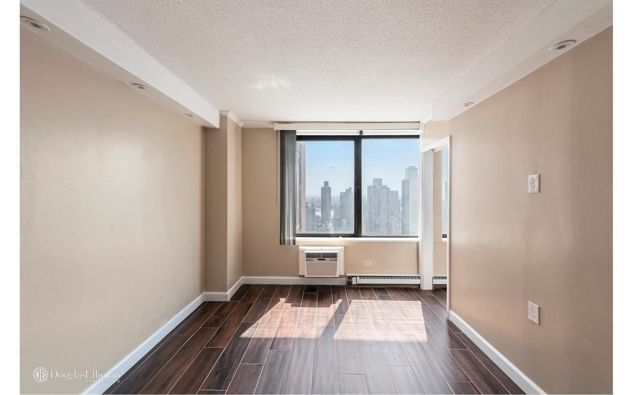 Property at Ruppert Towers 1, 1601 THIRD AVE , 27E Yorkville, New York, NY 10128
