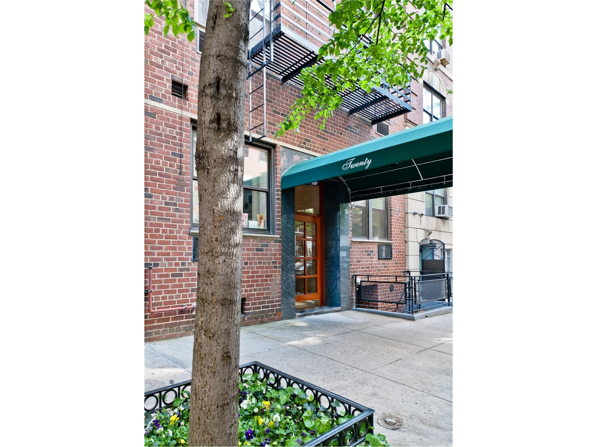 11. Co-op Properties for Sale at Cannon Point North, 25 SUTTON PL S, 11B Sutton Place, New York, NY 10022