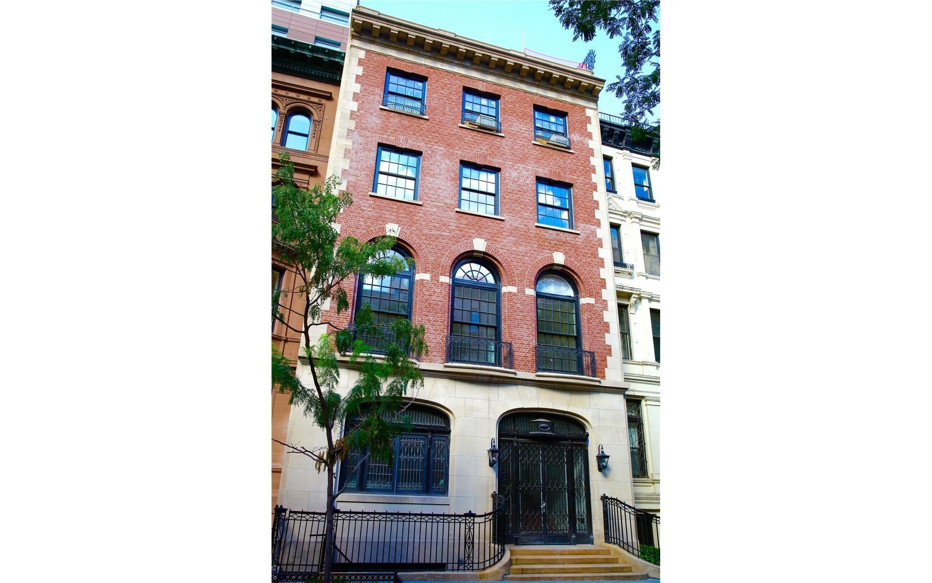 11. Condominiums for Sale at 33 East 74th St, TH Lenox Hill, New York, NY 10021