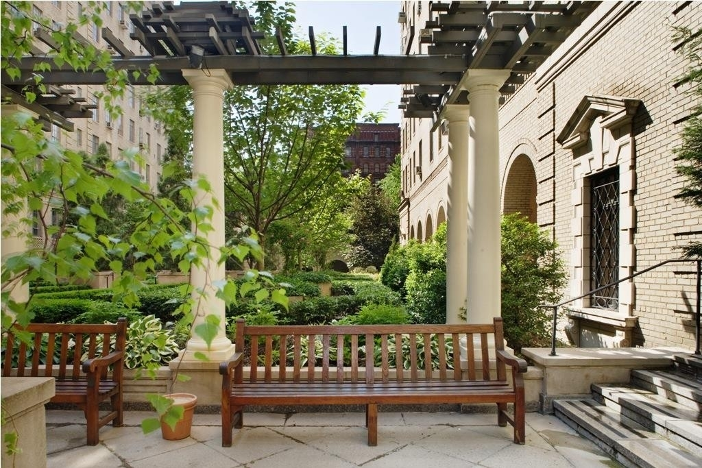 11. Condominiums at The Parc Vendome, 350 West 57th St, 12F Hell's Kitchen, New York