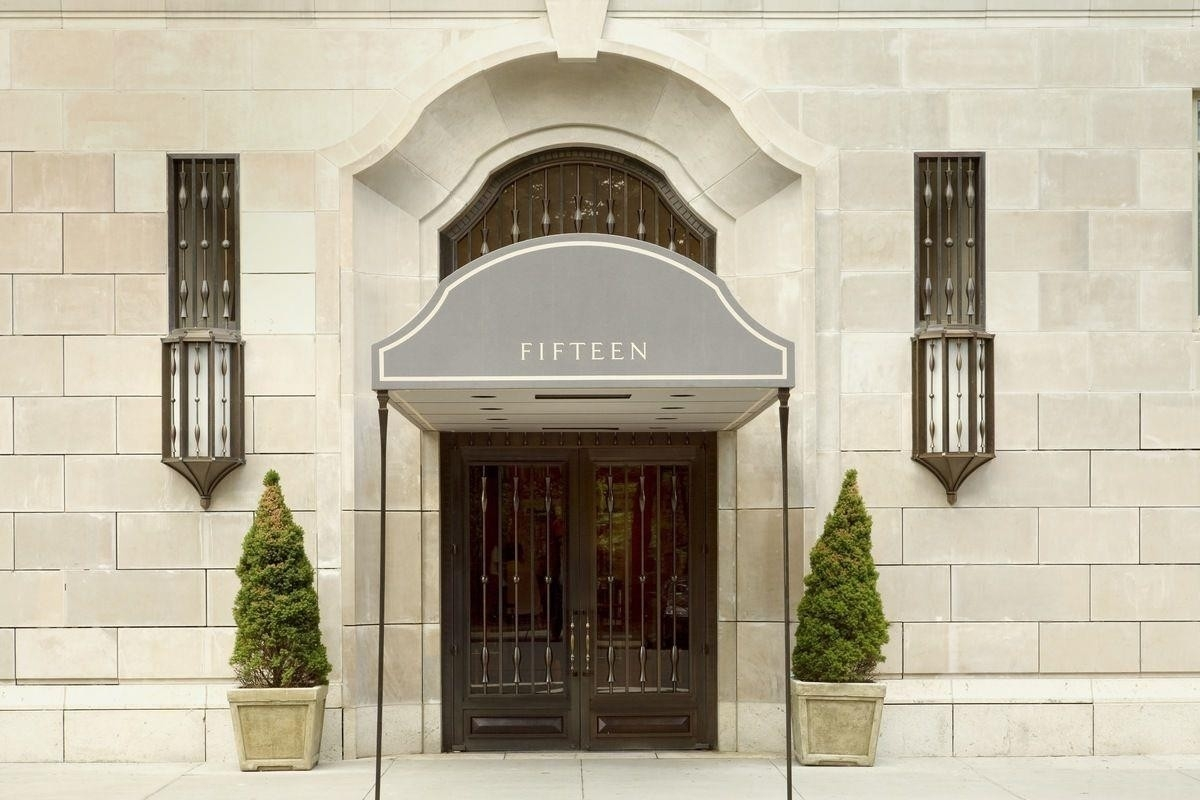 14. Condominiums for Sale at 15 Central Park West, PH41 Lincoln Square, New York, NY 10023