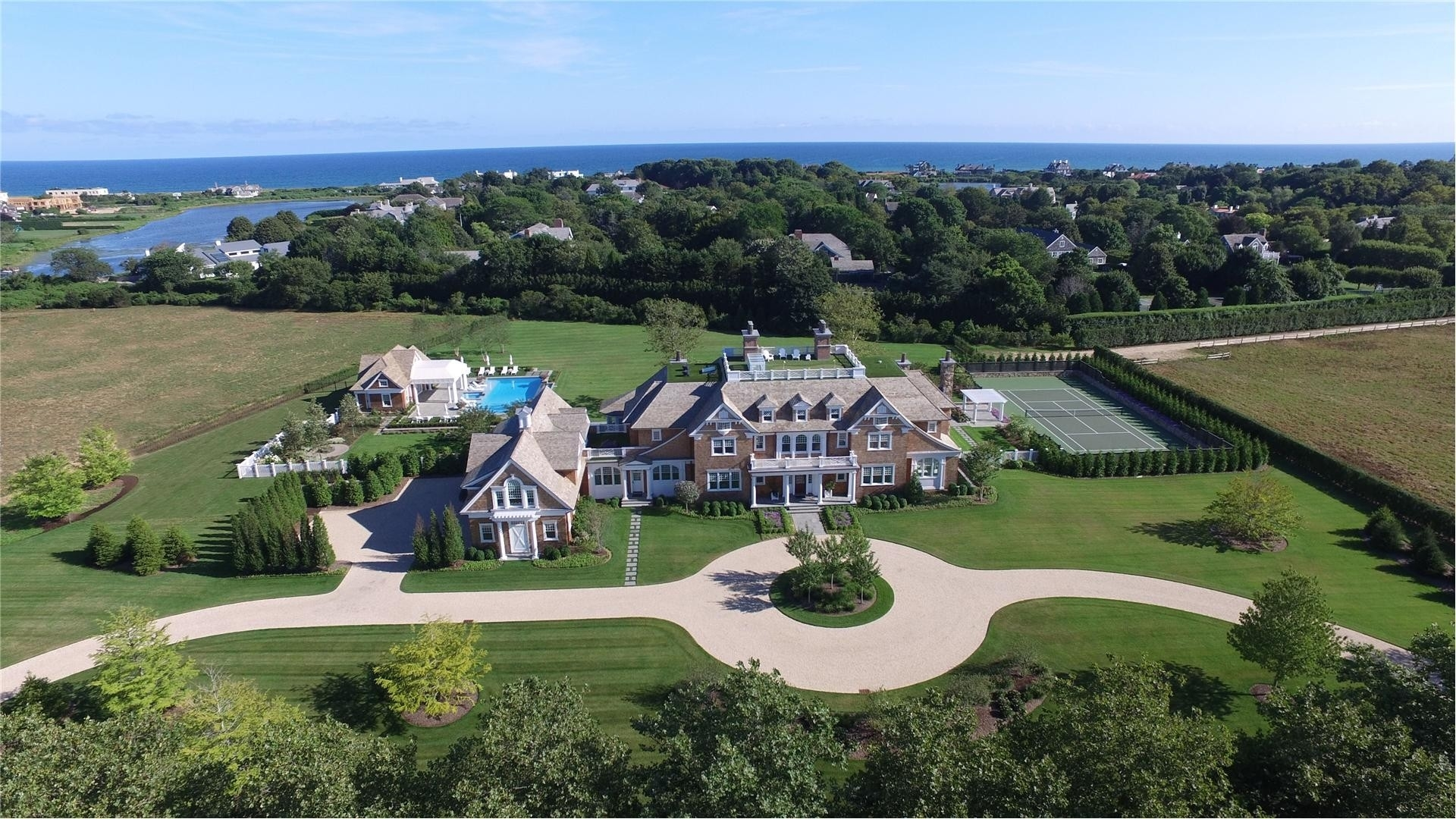 Single Family Home for Sale at Southampton Village, Southampton, NY 11968
