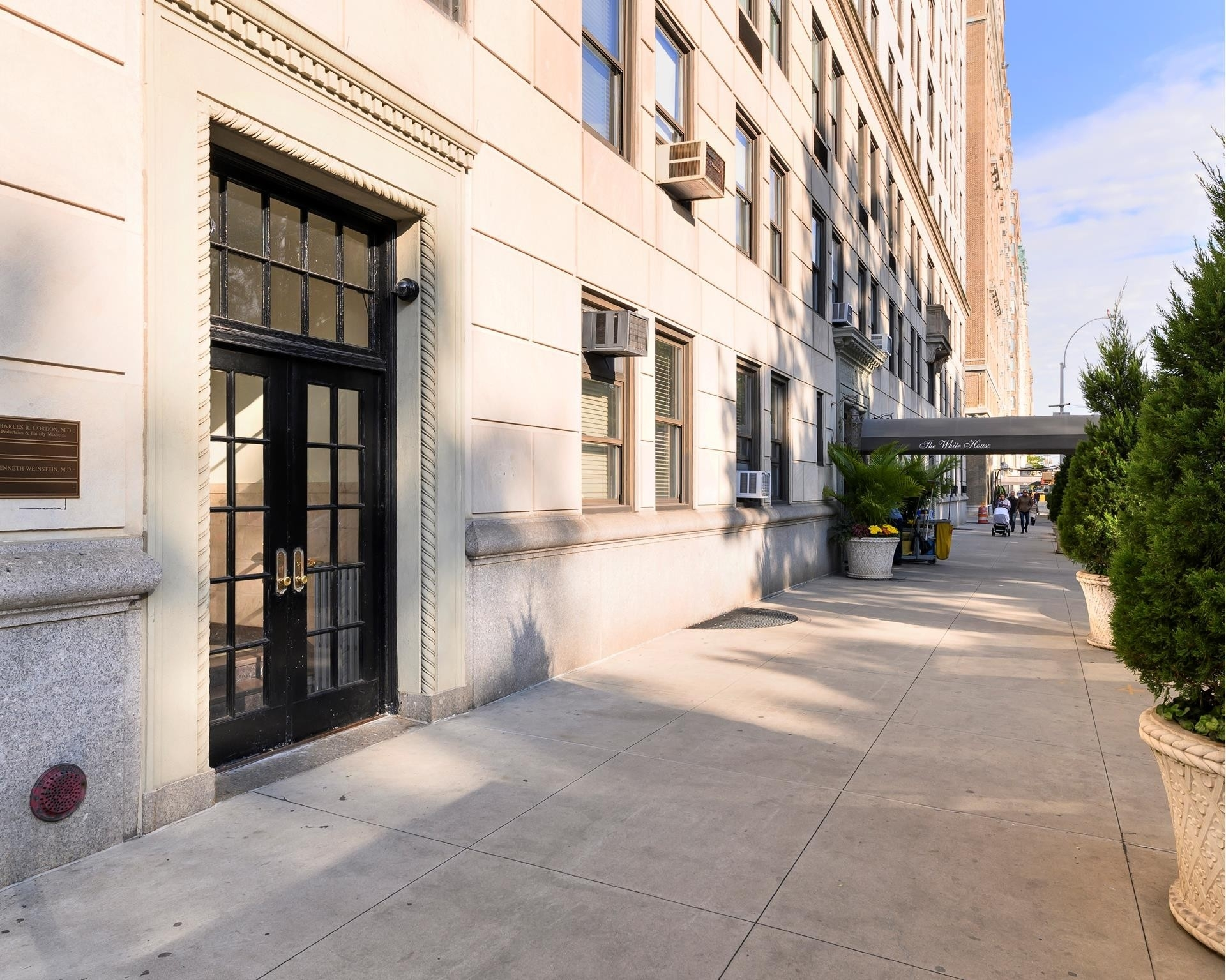 17. Co-op Properties for Sale at The White House, 262 Central Park West, PHS Upper West Side, New York, NY 10024