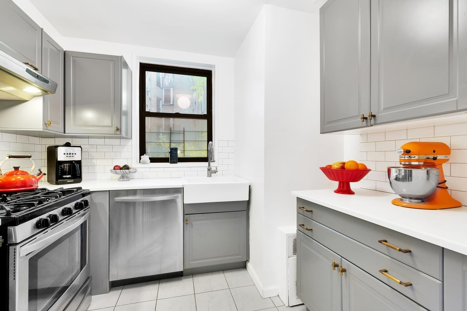 Co-op Properties en 275 Webster Avenue, 3B Ditmas Park, Brooklyn