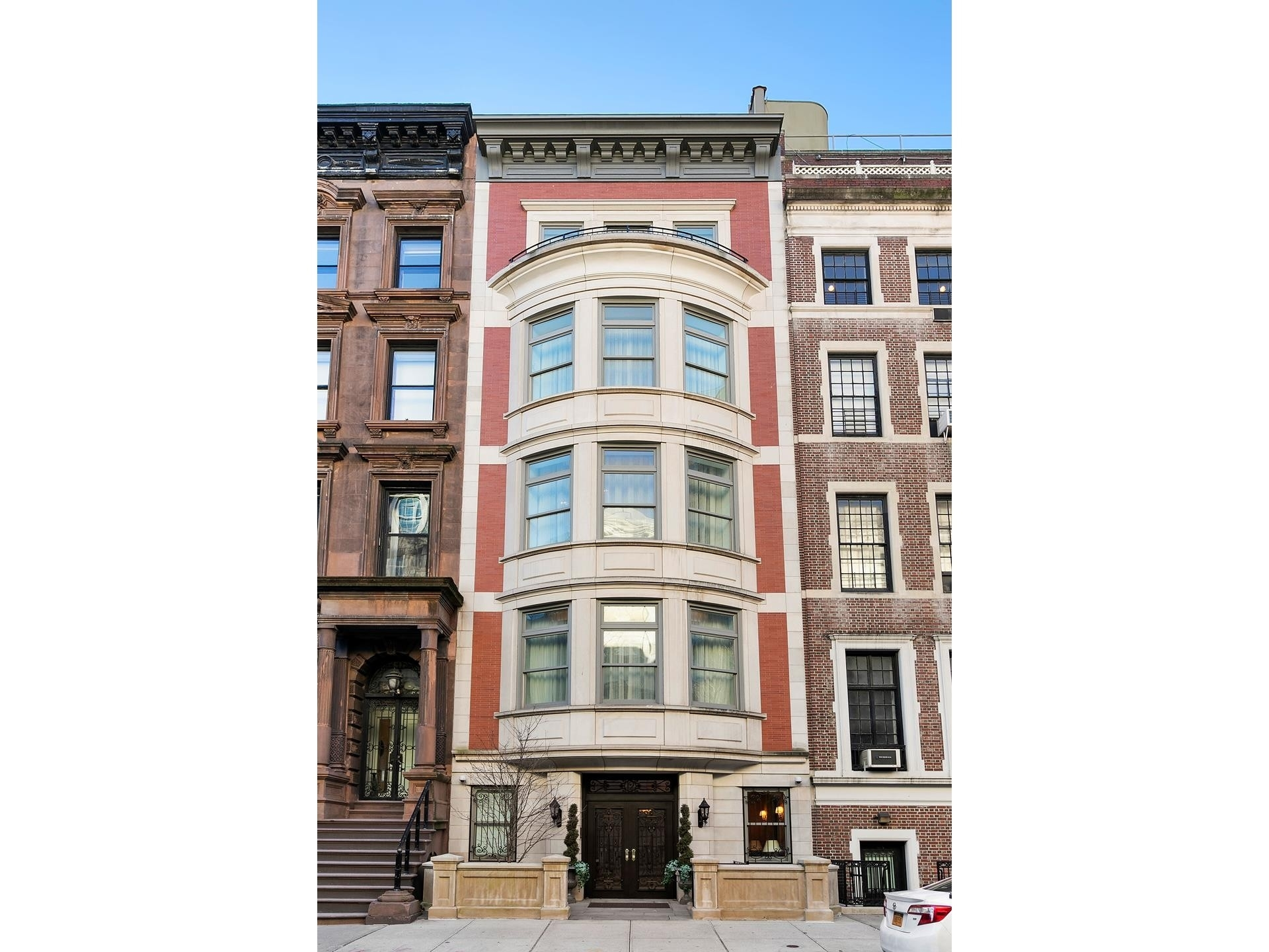 24. Single Family Townhouse for Sale at Lenox Hill, New York, NY 10021
