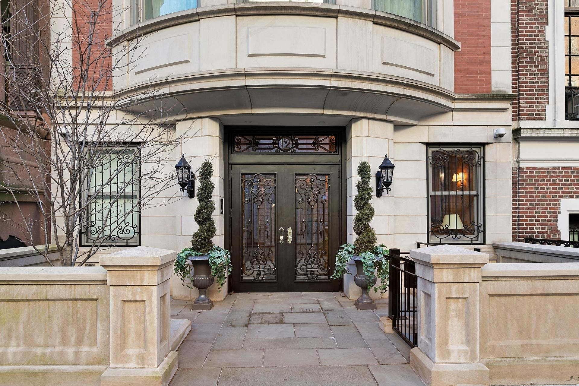 25. Single Family Townhouse for Sale at Lenox Hill, New York, NY 10021