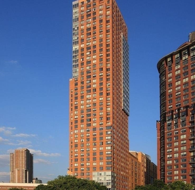 1. Tribeca Pointe建於41 River Terrace, Battery Park City, 纽约, NY