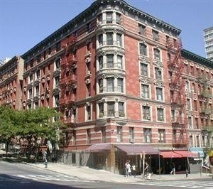 7. Co-op Properties por un Venta en 501 West 122nd St, A5 Morningside Heights, New York, NY 10027