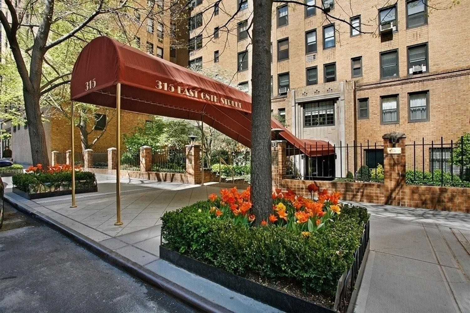 14. Co-op Properties for Sale at 315 E 68TH ST , 11K Lenox Hill, New York, NY 10065