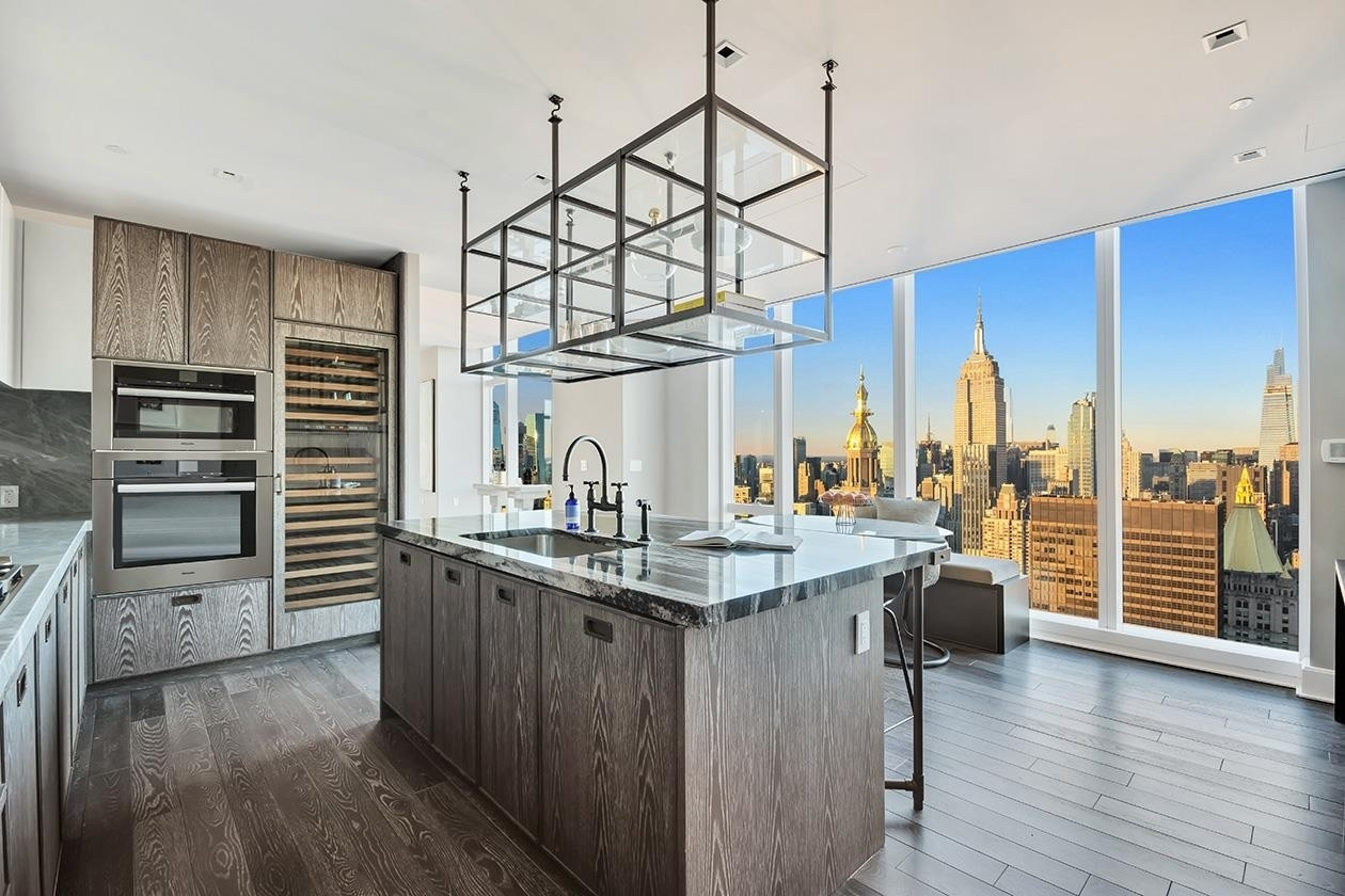 4. Condominiums for Sale at Madison Square Park Tower, 45 E 22ND ST , 59 Flatiron District, New York, NY 10010