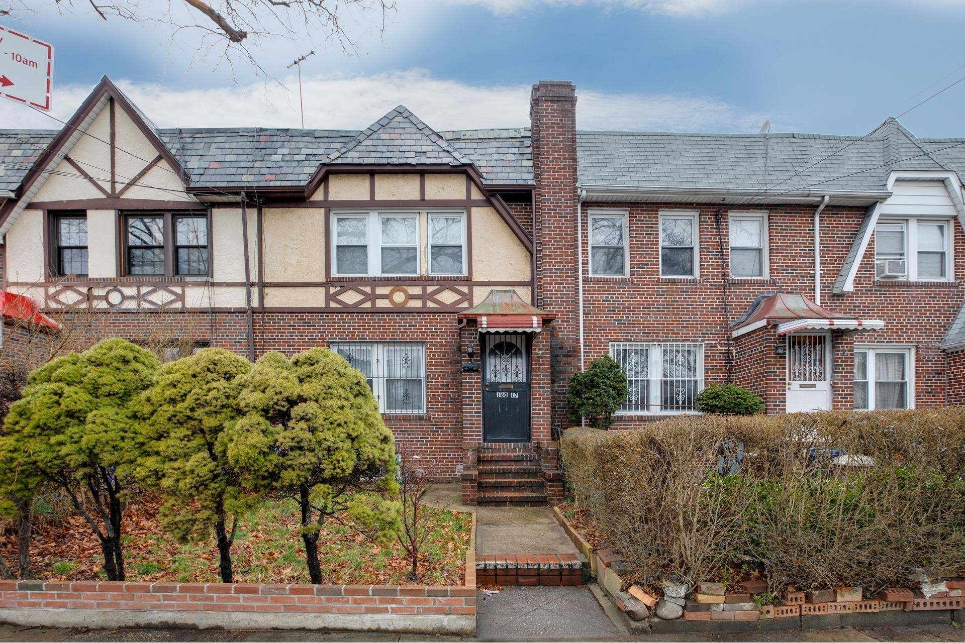 Single Family Townhouse at Jamaica Hills, Queens, NY 11432