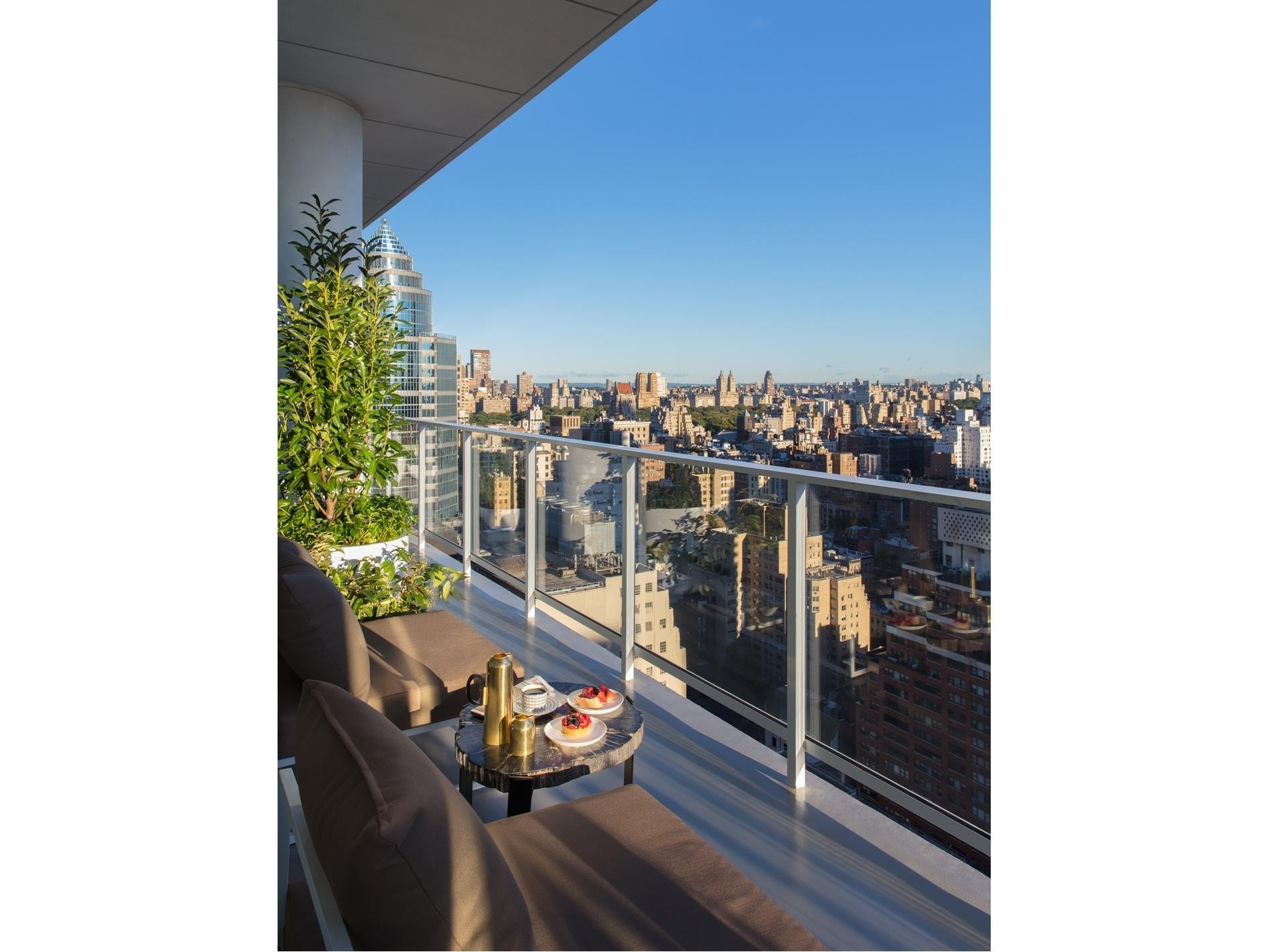 4. Condominiums for Sale at 200 East 59th St, 19E Midtown Manhattan, New York, NY 10022