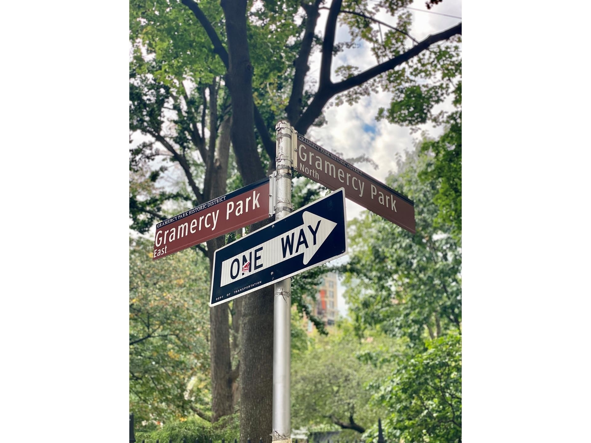 16. Co-op Properties for Sale at GRAMERCY OWNERS LTD, 44 GRAMERCY PARK N, 4C Gramercy Park, New York, NY 10010