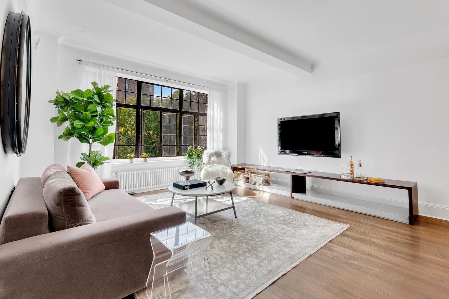 13. Co-op Properties for Sale at GRAMERCY OWNERS LTD, 44 Gramercy Park North, 4C Gramercy Park, New York, NY 10010