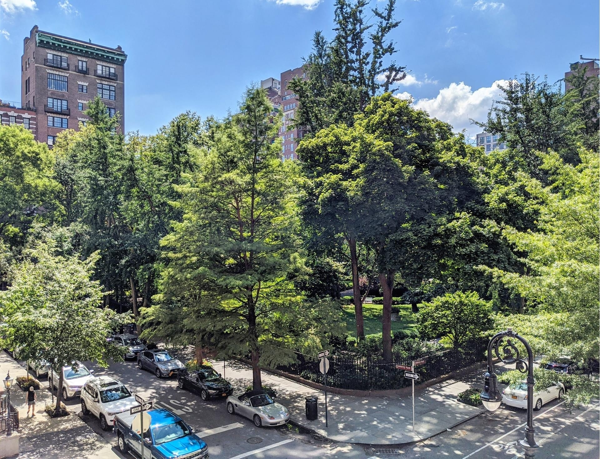 14. Co-op Properties for Sale at GRAMERCY OWNERS LTD, 44 Gramercy Park North, 4C Gramercy Park, New York, NY 10010