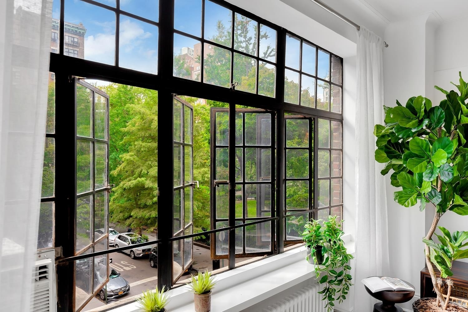 1. Co-op Properties for Sale at GRAMERCY OWNERS LTD, 44 GRAMERCY PARK N, 4C Gramercy Park, New York, NY 10010
