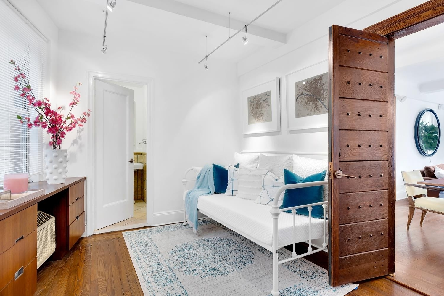12. Co-op Properties for Sale at GRAMERCY OWNERS LTD, 44 Gramercy Park North, 4C Gramercy Park, New York, NY 10010