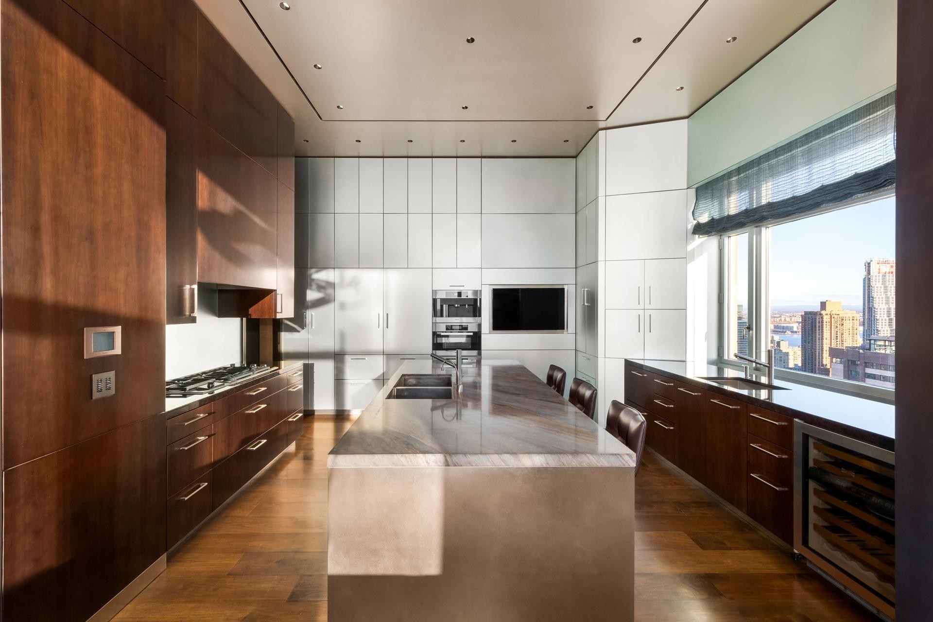 6. Condominiums for Sale at 15 Central Park West, PH41 Lincoln Square, New York, NY 10023
