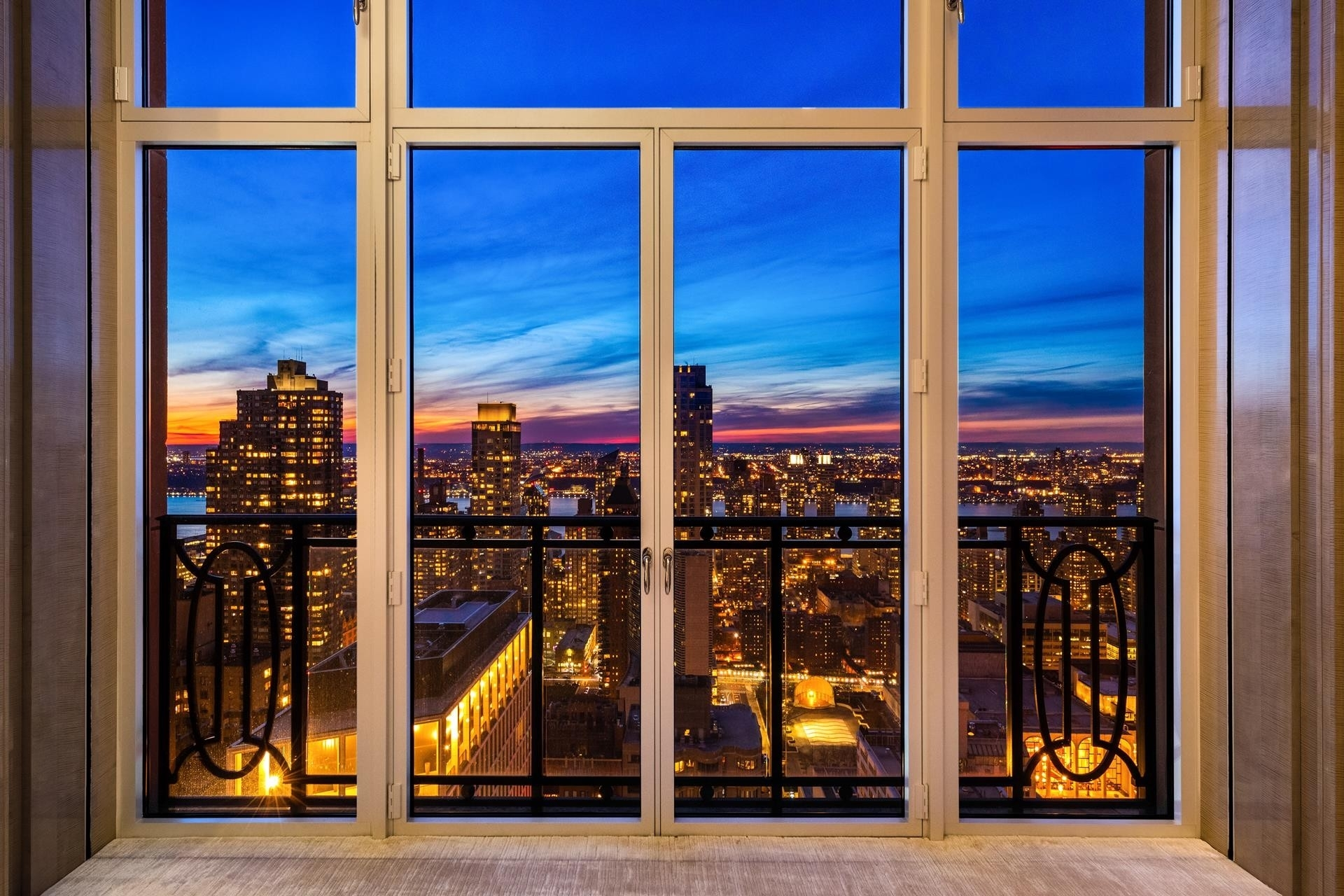 6. Condominiums для того Продажа на 15 Cpw, 15 CENTRAL PARK W, PH41 Lincoln Square, New York, NY 10023