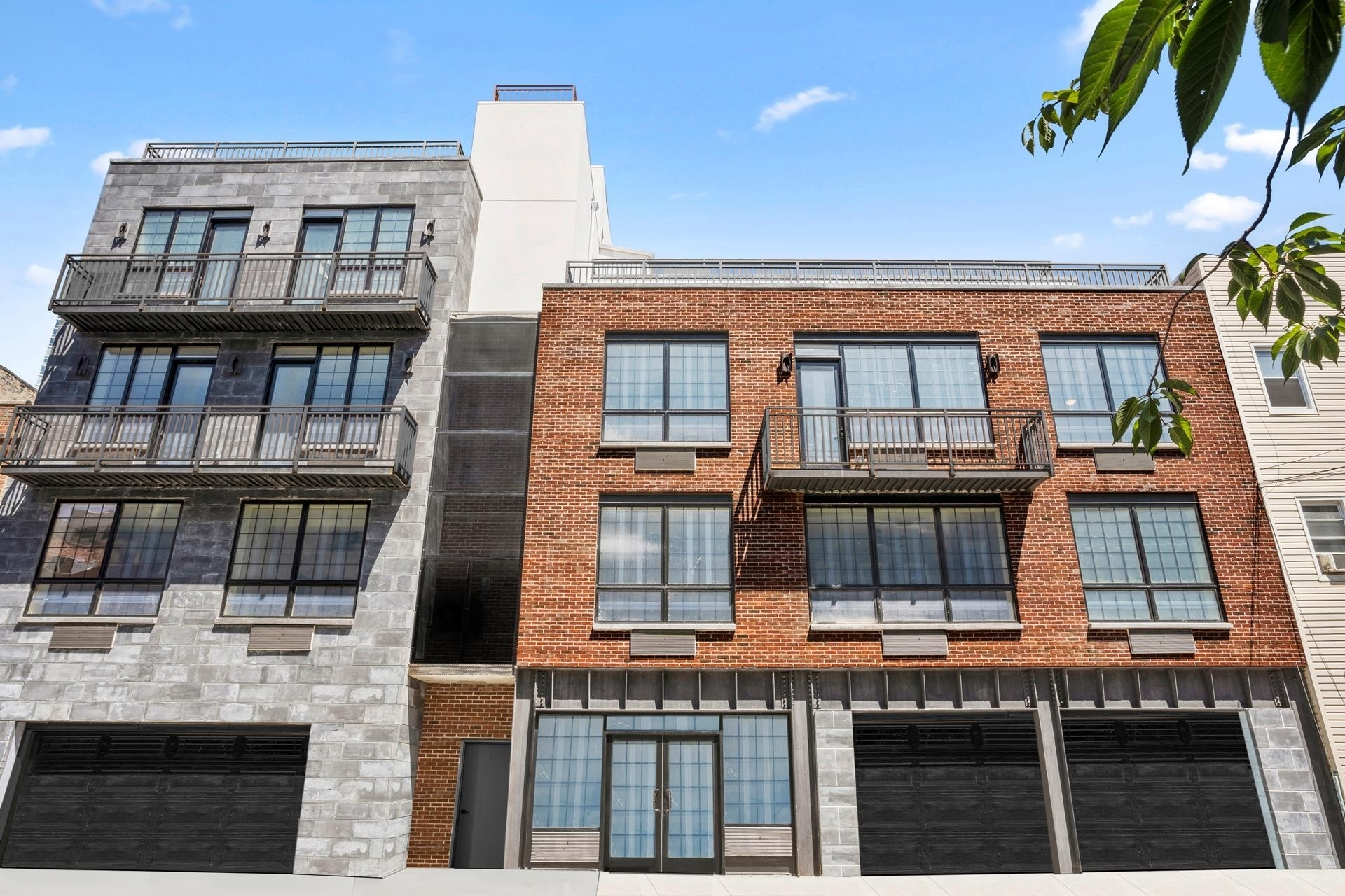 9. Condominiums for Sale at Greystone, 5-25 47TH RD , G2B Hunters Point, Queens, NY 11101