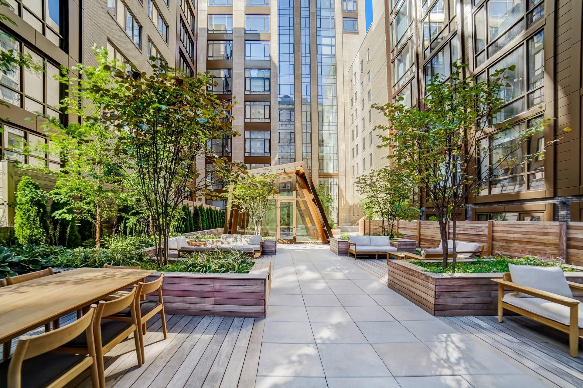 10. Condominiums for Sale at Gramercy Square, 215 East 19th St, 17A Gramercy Park, New York, NY 10003