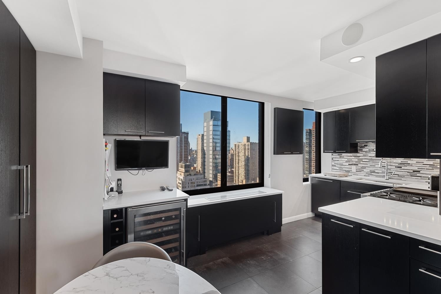 3. Condominiums для того Продажа на OXFORD CONDO, 422 East 72nd St, 28AB Lenox Hill, New York, NY 10021