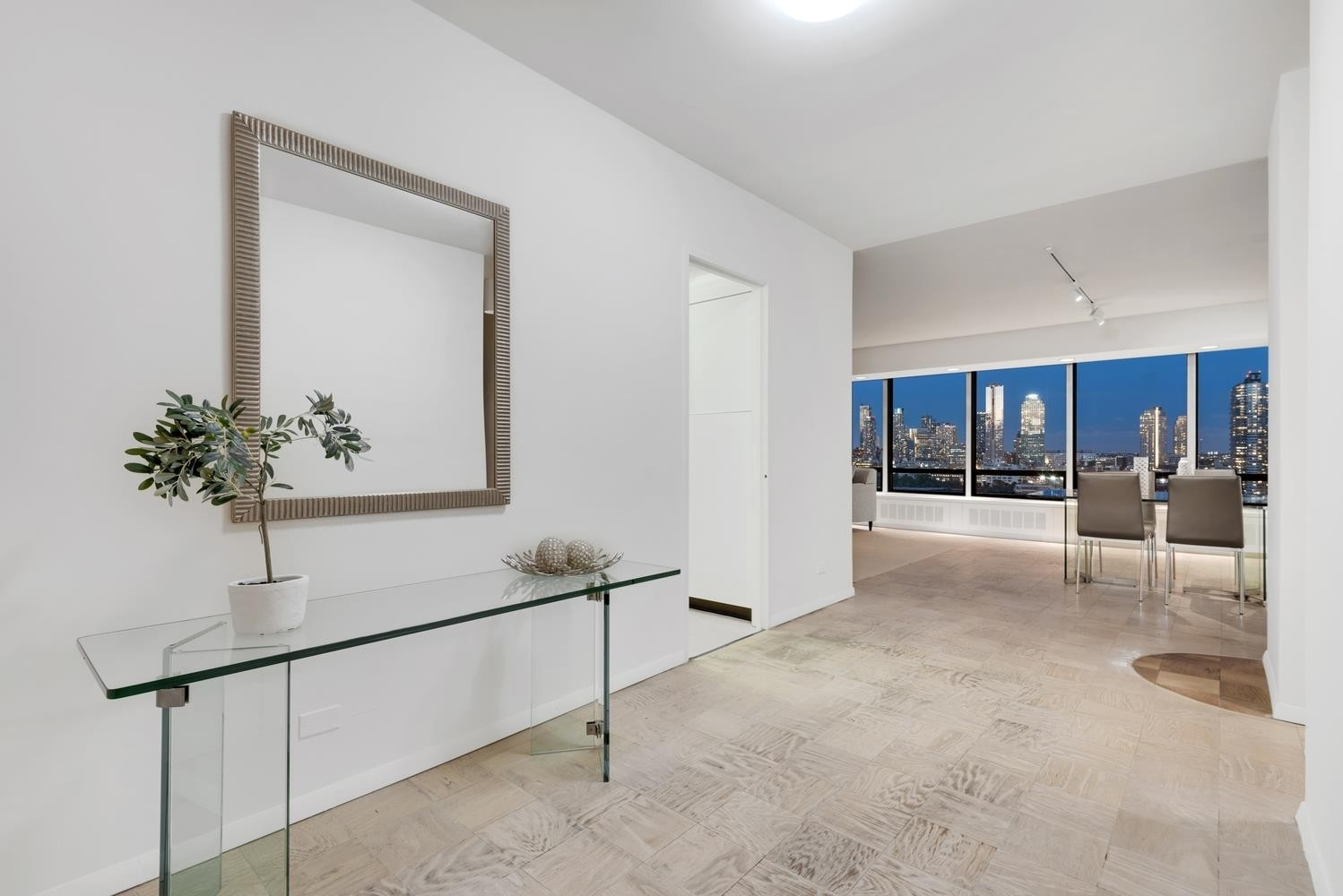 Co-op Properties for Sale at 870 United Nations Plaza, 14E Beekman, New York, NY 10017