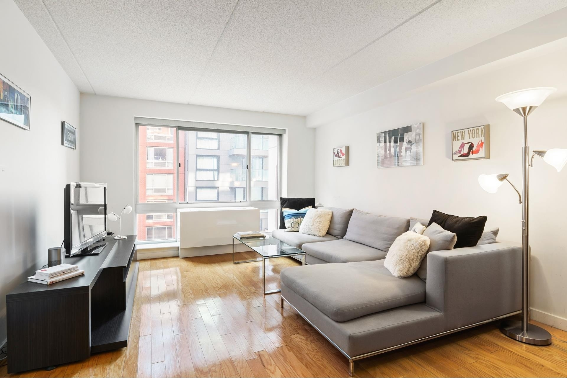 Condominium at 555 West 23rd St, N4E Chelsea, New York