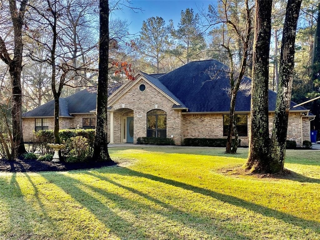 Single Family Home for Sale at Village Mills, TX 77663