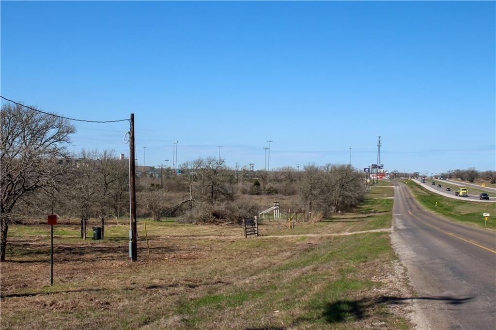 Commercial / Office at Cedar Creek, TX 78612