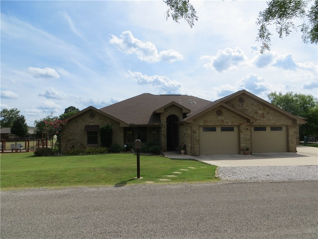 Single Family Home for Sale at Highland Haven, TX 78654