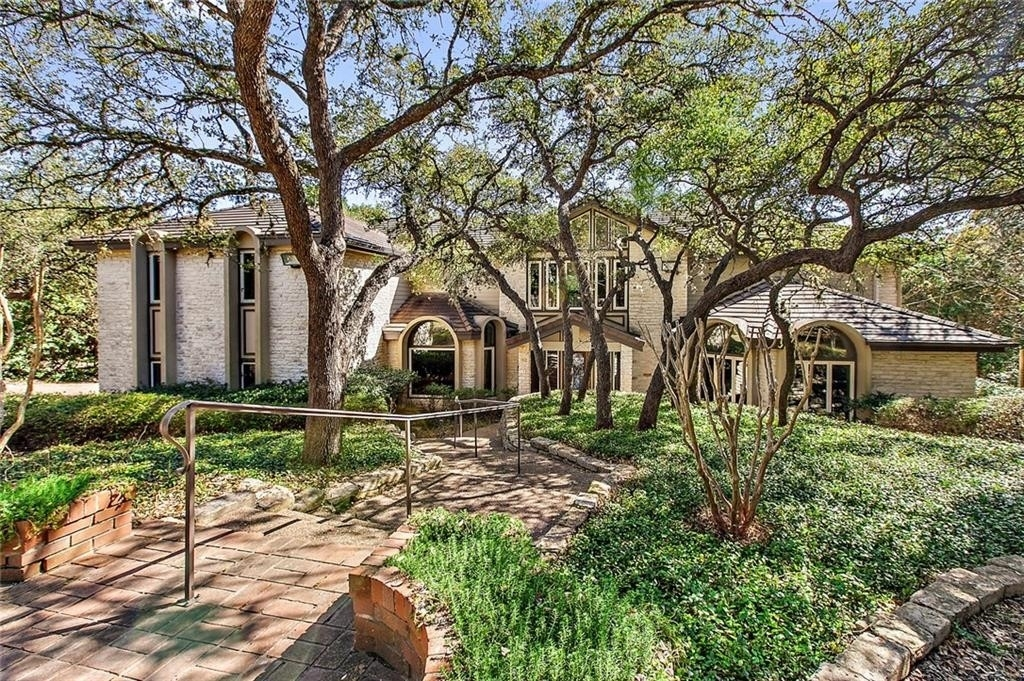 Single Family Home for Sale at West Lake Hills, TX 78746