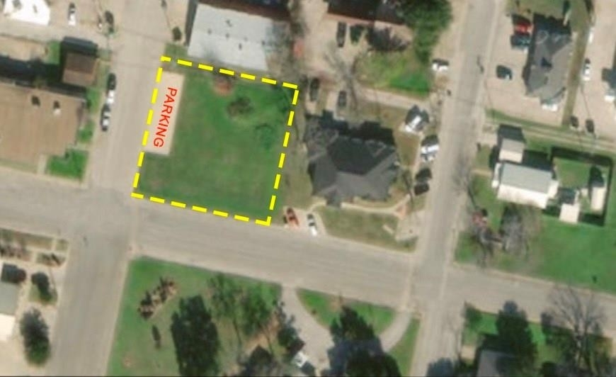 1. Commercial / Office at Giddings, TX 78942