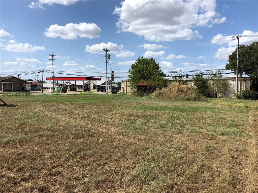 5. Commercial / Office at Giddings, TX 78942