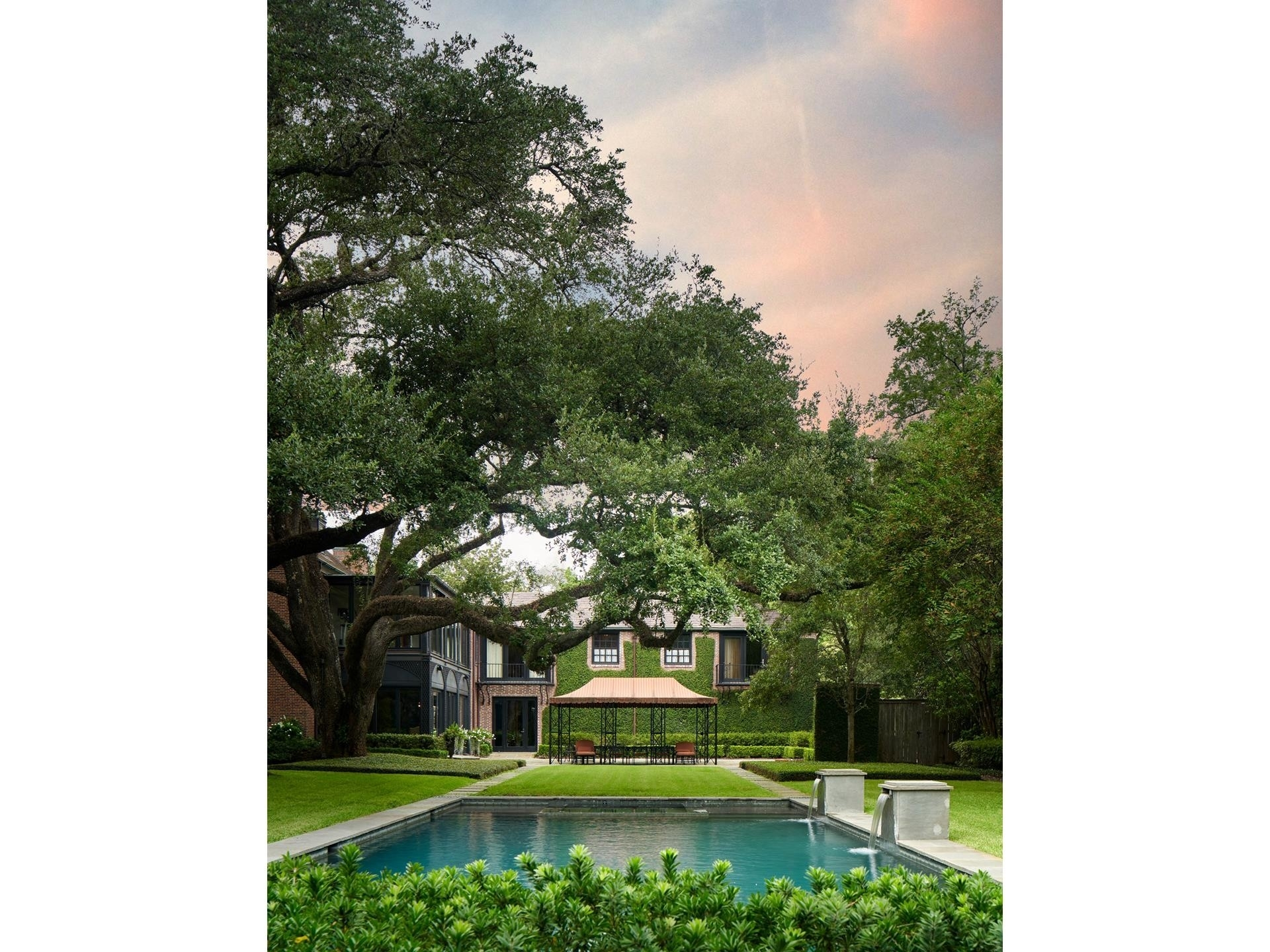 16. Single Family Homes for Sale at Shadyside, Houston, TX 77005